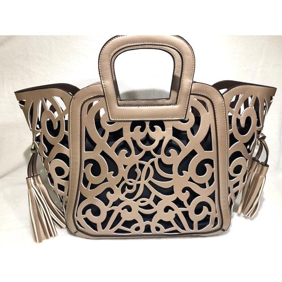 Handbags - SALE 🎉 Gold Bag